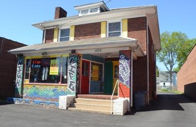 High Life Smoke Shop - Charlotte, NC