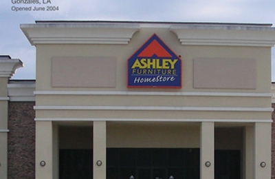 Ashley Furniture HomeStore   Gonzales, LA