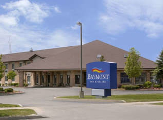 Baymont Inn & Suites - Whitewater, WI