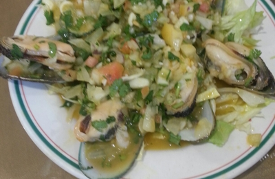 Mi Tierra Restaurant - Los Angeles, CA. Trying mussle in shell!!! Tasty and good..