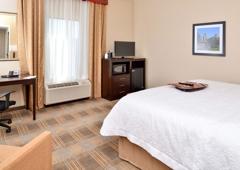 Hampton Inn & Suites California University-Pittsburgh - Coal Center, PA