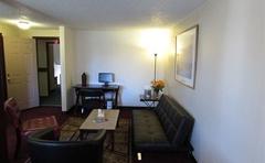 Kennewick Suites