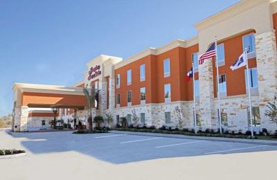 Hampton Inn & Suites Winnie - Winnie, TX