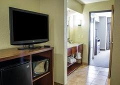 Comfort Suites Near Seaworld - San Antonio, TX