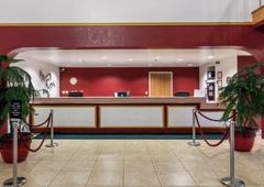 Branson Towers Hotel - Branson, MO