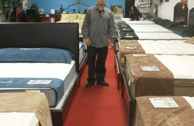 Glendale Mattress Clearance Store   Glendale, CA. Awesome Customer Service  By This Guy.