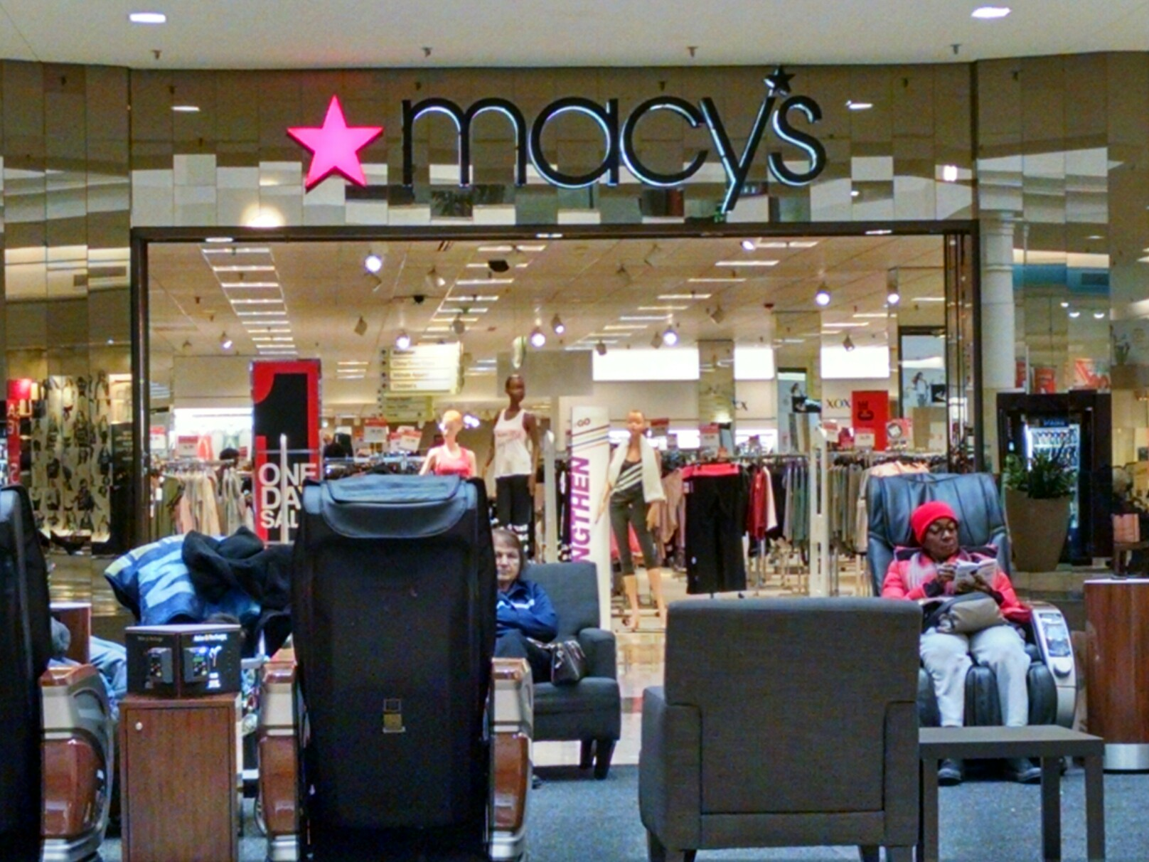 Macy's 2210 Southlake Mall, Merrillville, IN 46410 - CLOSED - YP.com
