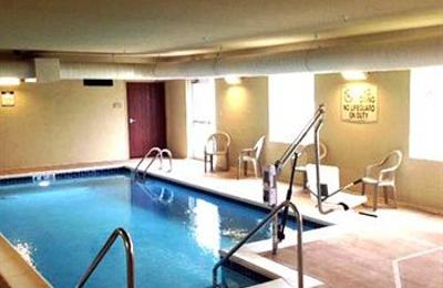 Cobblestone Hotel Suites Newton Il