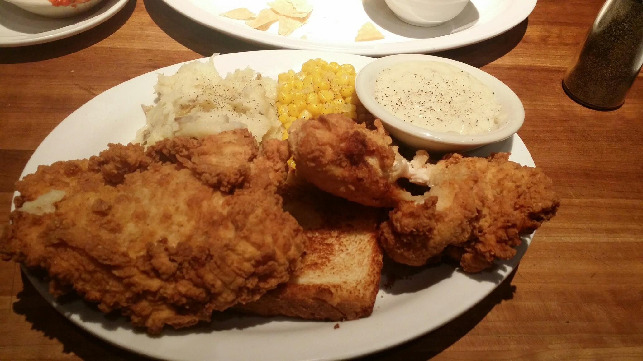 Cheddar S Scratch Kitchen 11865 W 95th St Overland Park Ks 66214 Yp Com