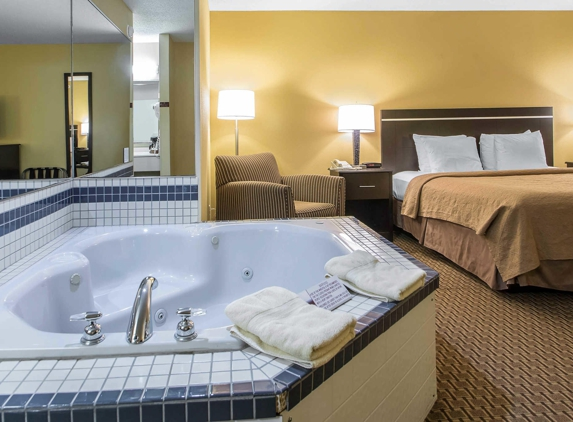Quality Inn & Suites Sun Prairie Madison East - Sun Prairie, WI