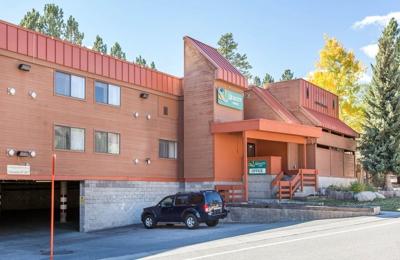 Quality Inn Near Mammoth Mountain Ski Resort - Mammoth Lakes, CA