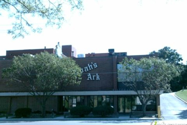 Noah's Ark Restaurant & Lounge