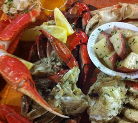 Rustic Inn Crabhouse - Fort Lauderdale, FL. Crab Sampler