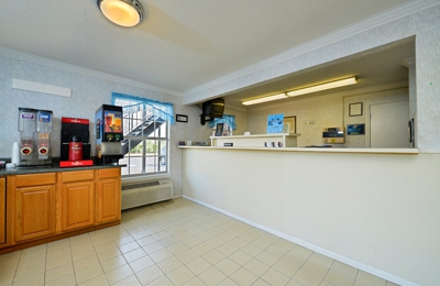 Americas Best Value Inn - Winnsboro, SC
